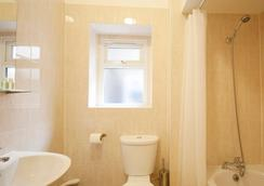 United Lodge Hotel & Apartments - London - Bathroom