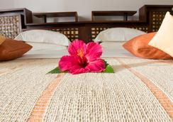 Ravintsara Wellness Hotel - Nosy Be - Bedroom
