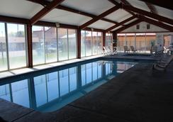 Super 8 Conference Center NAU/Downtown - Flagstaff - Pool