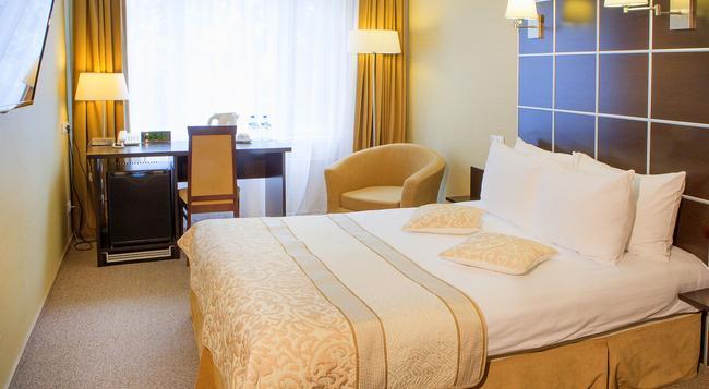 Best Western Kaluga Hotel - Kaluga - Bedroom