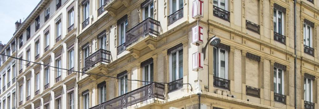 Hôtel La Résidence - Lyon - Building