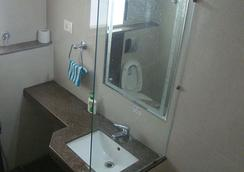 Padharosa Guest House - Bhopal - Bathroom