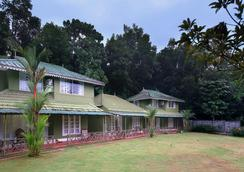 Elephant Pass Ayurveda & Yoga Retreat - Kochi - Building