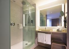 Oceania Hôtel de France Nantes - Nantes - Bathroom