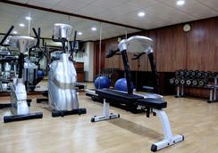 Falcon Hotel Apartments - Fujairah - Gym