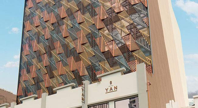 Hotel Yan - Singapore - Building