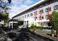 Intercityhotel Frankfurt Airport - Frankfurt am Main - Building