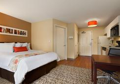 Hawthorn Suites by Wyndham Charlotte/Executive Par - Charlotte - Bedroom