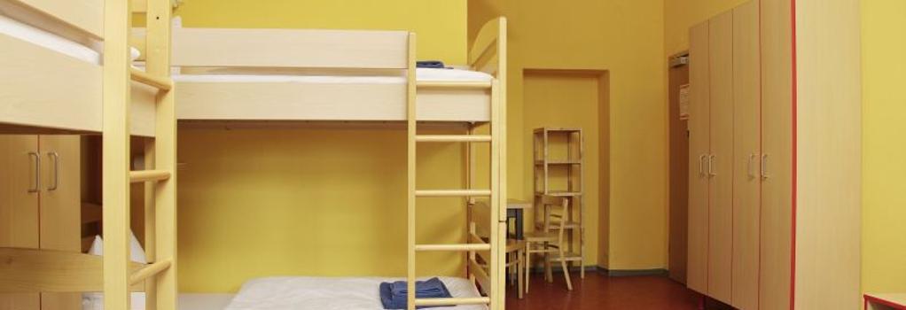 acama Hotel+Hostel Schöneberg - Berlin - Bedroom