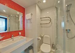Hotel Sevastopol Modern - Moscow - Bathroom