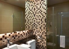 Hotel Transit Kuala Lumpur - Kuala Lumpur - Bathroom