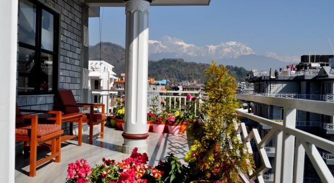 Hotel Paradise Inn - Pokhara - Outdoor view