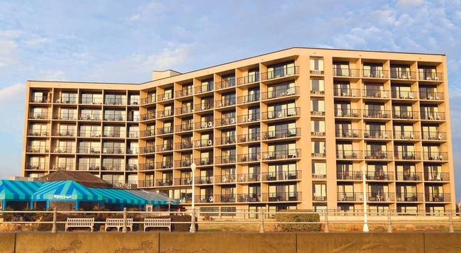 Surfbreak Oceanfront Hotel, an Ascend Hotel Collection Member - Virginia Beach - Building