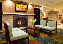 Holiday Inn Express & Suites Pittsburgh West - Green Tree - Pittsburgh - Lobby
