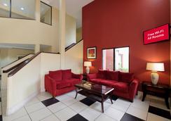 Red Roof Inn Pensacola Fairgrounds - Pensacola - Lobby
