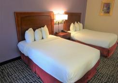 Red Roof Inn Wichita East - Wichita - Bedroom